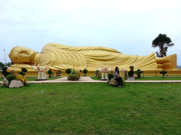 Songkhla Golden Sleeping Buddha