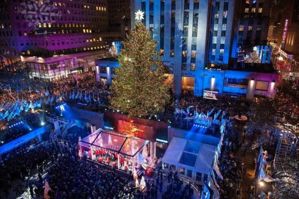 83rd-rockefeller-center-tree-lighting-2015